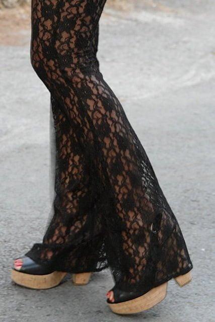 Dantelli Siyah Pantolon Modelleri